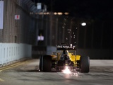 Magnussen applauds perfect Renault