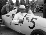 Mercedes to race with tribute to Stirling Moss on car at 70th Anniversary GP
