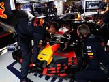 Horner Quick to Praise Red Bull Mechanics for Ricciardo Engine Change