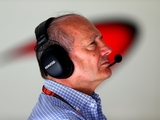 Dennis to be placed on gardening leave – report