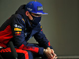 Verstappen rang family before Bahrain restart