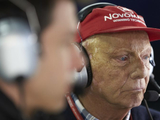 'Lauda to be buried in race suit'