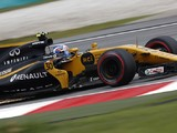 Jolyon Palmer blames wind for his first spin in Malaysian GP