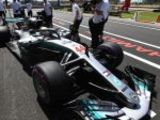 Mercedes keep F1 guessing