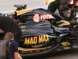 Video: Grosjean spectacularly loses his engine cover