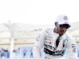 Hamilton says 'no harm' in speaking with Ferrari