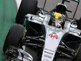 Hamilton beats Rosberg to crucial Brazilian GP pole