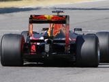 Red Bull continues Pirelli 2017 testing