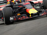 Ricciardo fastest in morning session