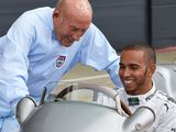 Hamilton pays tribute to 'legend' Moss