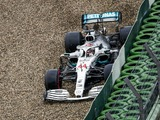 Is there a disconnect between Hamilton and Mercedes?