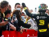 Ricciardo: Renault bloomed after 'timid' start