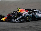 Verstappen shrugs off Hamilton's cricitism