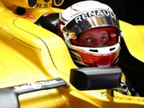Magnussen fighting for Renault seat despite Hulkenberg blow