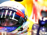 Daniel Ricciardo: Drivers approve of Halo head protection