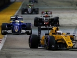 Magnussen: Points will encourage Renault
