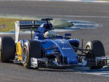 Vettel tops timesheets on opening day at Jerez