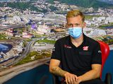 Magnussen 'open to everything', but wants Haas stay