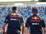 Ricciardo, Verstappen hold one on one talks after clash
