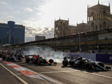 Hamilton offers dejected Mercedes apology after 'magic' mistake