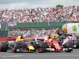 Vettel caught by surprise as tyres fail on penultimate lap