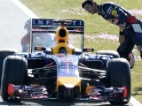 Magnussen top as Red Bull struggle