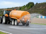 F1 teams urged to support wet tyre test
