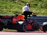 Daniel Ricciardo 'put first through wall' after early exit