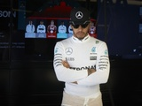 Hamilton 'calm' despite early misfortune