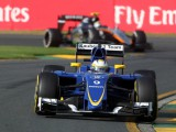 Ericsson shrugs off distractions to score first F1 points