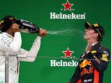 Hamilton cruises to Shanghai win