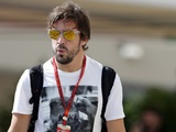 "McLaren to start Alonso contact talks ""a few races"" into 2017"