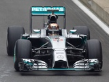 Poor conditions hamper Pirelli tyre test with Mercedes