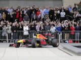 VIDEO: Daniel Ricciardo's On-Board Lap Of ExxonMobil's Houston HQ | Mobil 1 The Grid