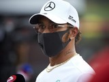 "Mercedes to use ""larger gaps"" in F1 calendar for Hamilton contract talks"