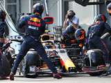 Red Bull accuses Mercedes of 'stealing' pit stop advantage