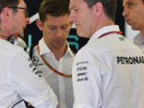 Mercedes not expecting to win