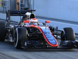 Hydraulic leak ends McLaren's day after just seven laps