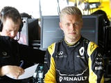 Magnussen urges Renault to switch attention to 2017