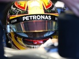 Hamilton presented race-worn Senna helmet after matching pole tally