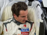 Sutil visits Sauber factory for C33 seat fitting