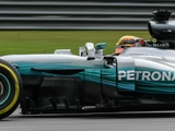 Hamilton 'struggling' on 'very difficult' day