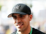 Pastor Maldonado talking to F1 teams about 2017 return