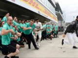 Mercedes boss Zetsche reacts to title