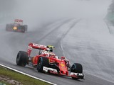 Pirelli's Isola meets with F1 drivers over wet tyre criticisms