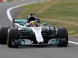 Hamilton pips Vettel in drizzly Silverstone FP3