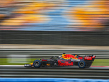 "Red Bull ""too grown up to be a customer team"" - Horner"