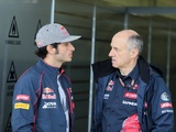 Tost thrilled to keep Sainz for next season
