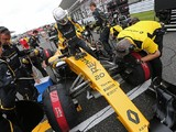 Renault F1 chief Vasseur defends team's leadership structure