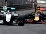 Ricciardo rules out switch to Mercedes